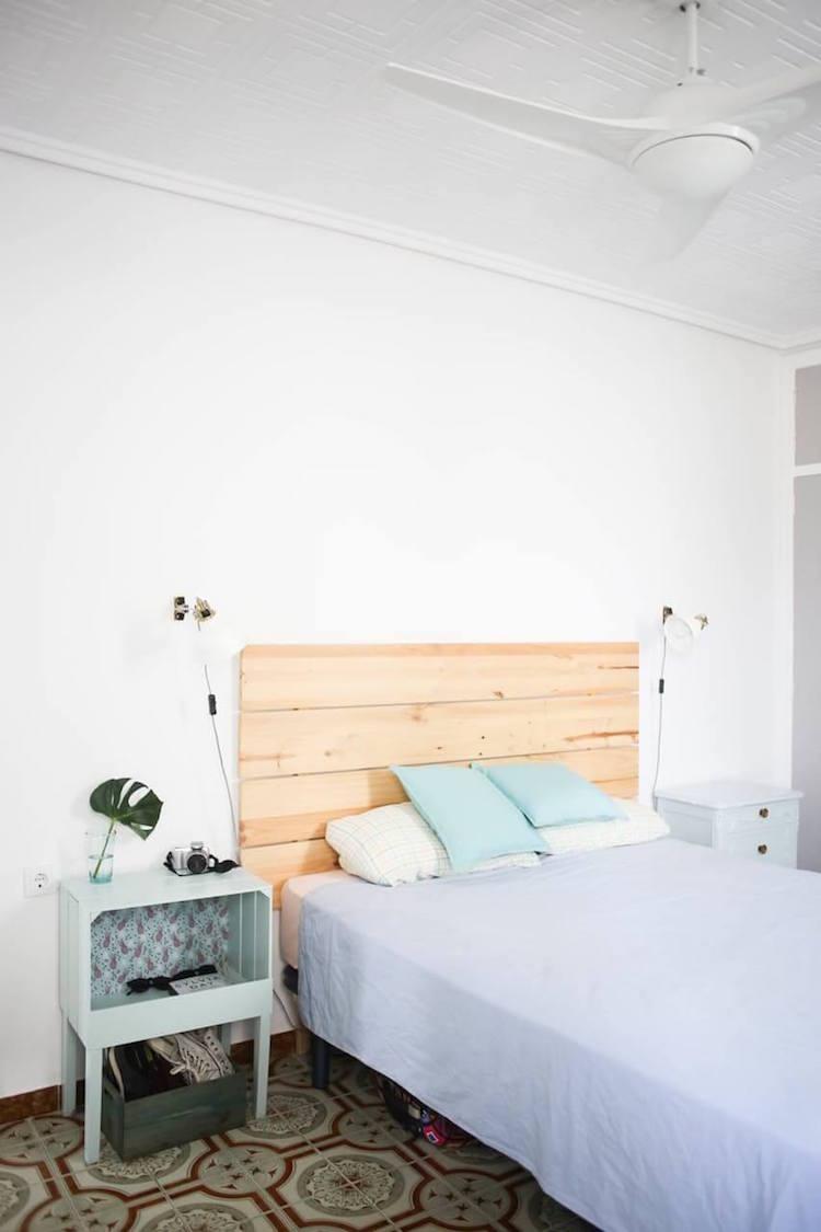 mesilla Diy en color turquesa, cama retro