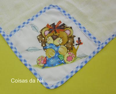 fralda para menino com pintura de leão