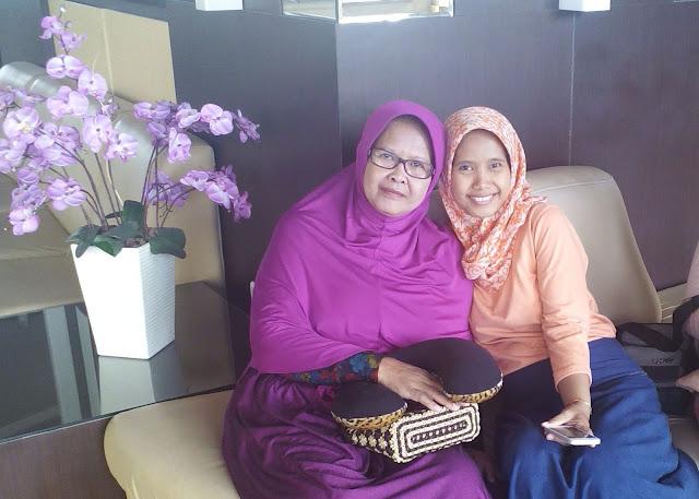 Tips Memilih Warna Pakaian untuk Kulit Sawo Matang