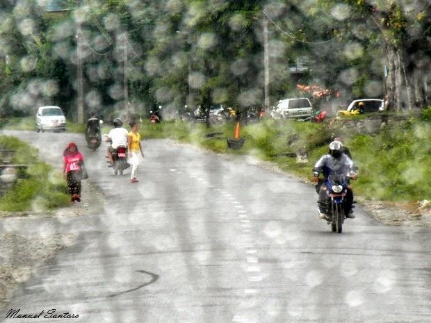 Alle porte di Pokhara, scroscio di pioggia