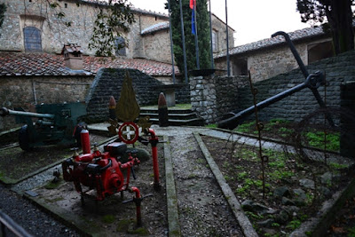 MONTECATINI-ALTO-MONUMENTO-A-SANTA-BARBARA