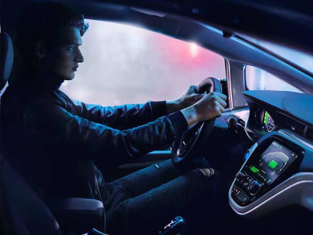 Langsam wird es spannend bei Opel. Denn als Elektroauto kommt der reichweitenstarke AMPERAe ab 2017 auf den Markt.