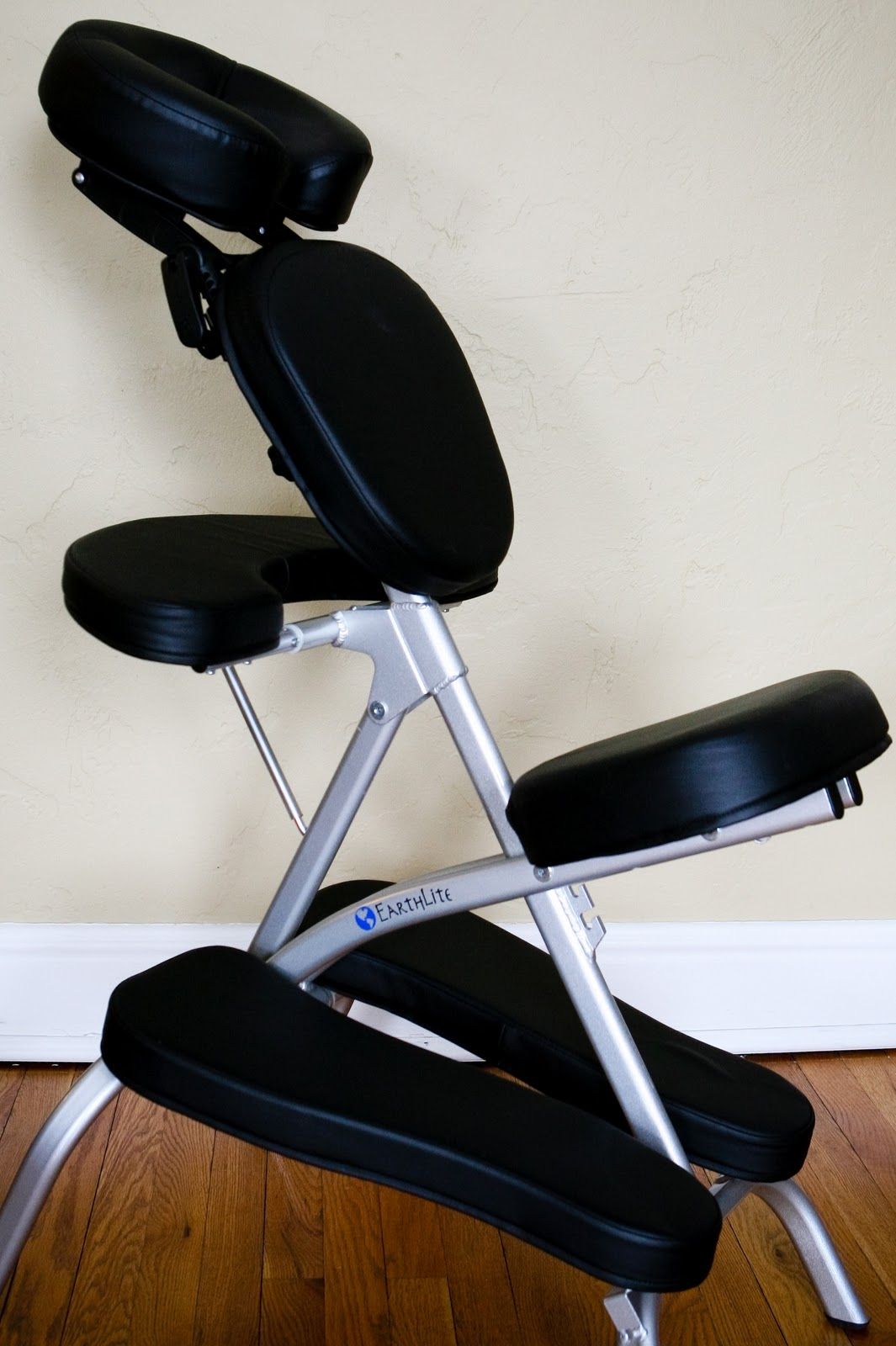 Massage Therapist Chair Simply Beautiful Make Up Artistry And Massage Chair