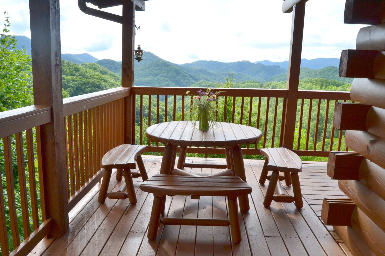 pigeon cabin heavenly view deck valley bedroom forge wears gatlinburg tub tn cabins smoky mountain rentals gh hot friendly pet