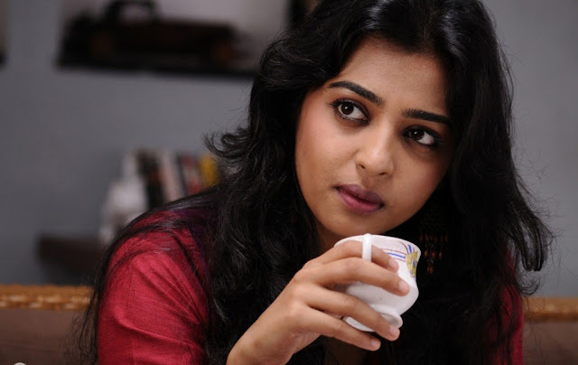 radhika-apte-movie-scene