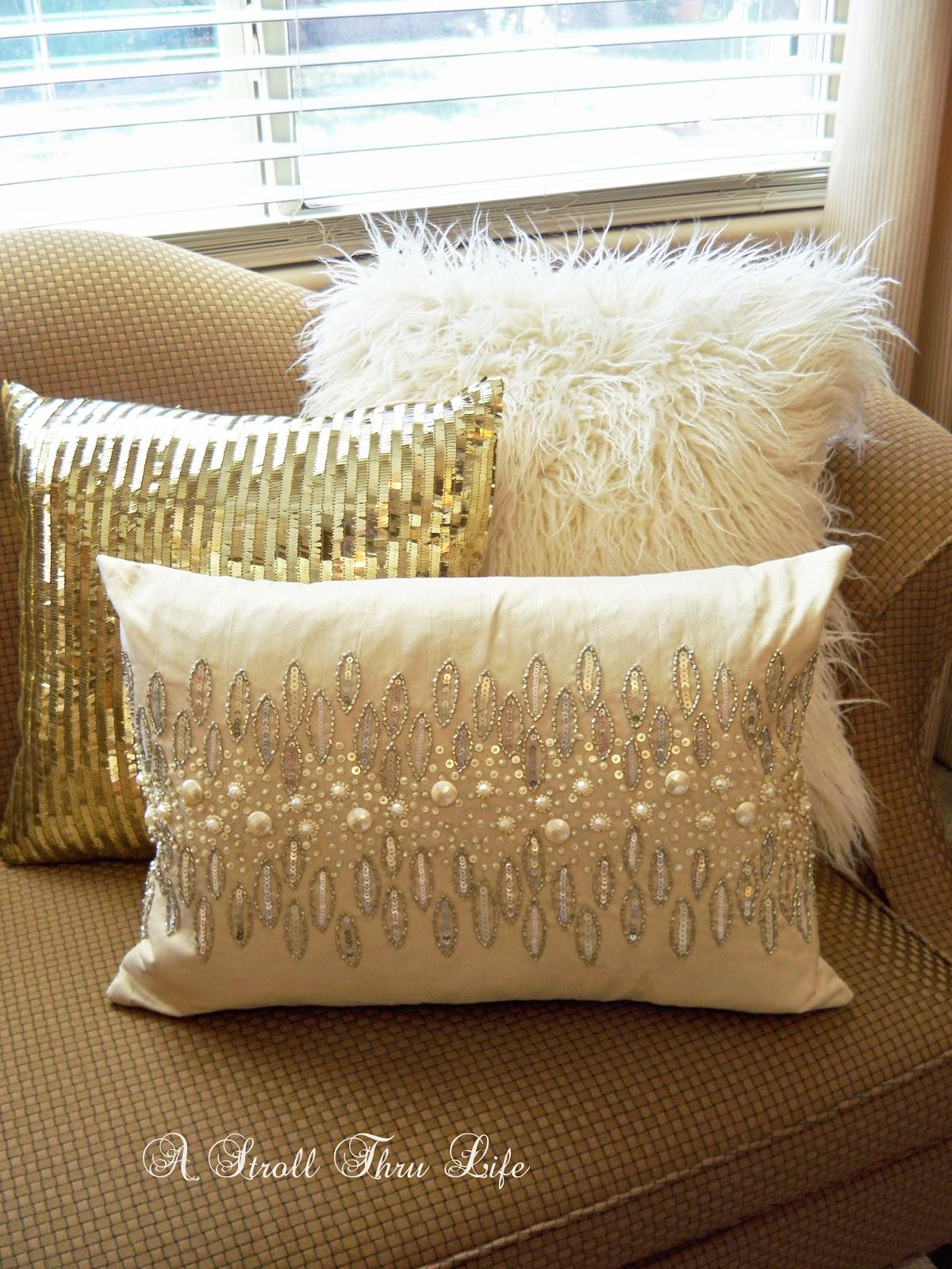 Farmhouse Pillows Couch Diy