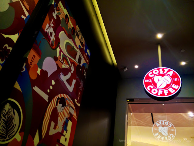 bowdywanders.com Singapore Travel Blog Philippines Photo :: Singapore :: Costa Coffee, City Hall