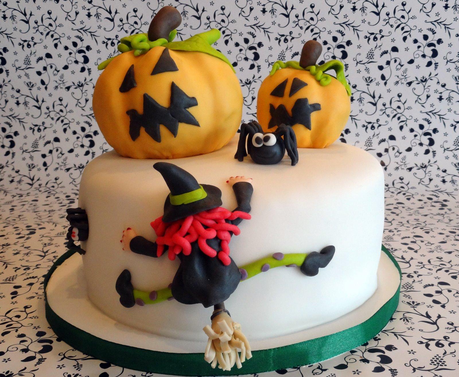 torten cupcakes by sibl halloween steht vor der t r. Black Bedroom Furniture Sets. Home Design Ideas