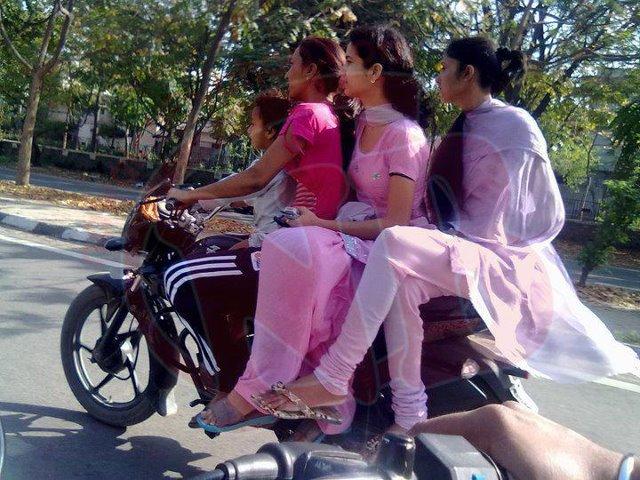 Pakistan Sexy School Girls Photos Hot Pakistani College Girls Lonely Girl