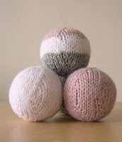 http://www.ravelry.com/patterns/library/oh-balls