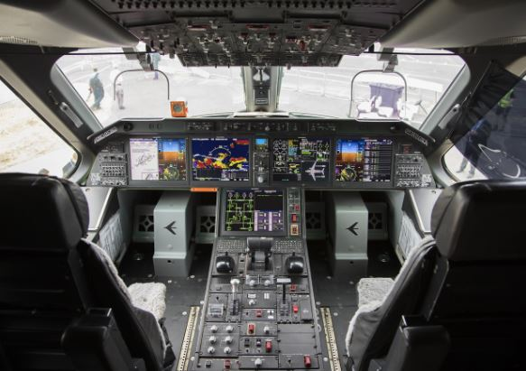 Embraer KC-390 cockpit