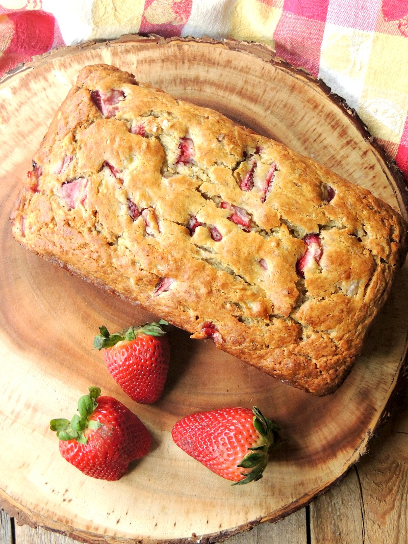 Strawberry Banana Bread - This bread recipe combines to of my favorite flavors in an amazingly moist and tender loaf. If you love strawberries and bananas, this bread is a MUST make!! #banana #strawberry #bread #quickbread #recipe   bobbiskozykitchen.com