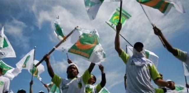 Tolak Diskualifikasi PBB, GNPF Ulama Geruduk KPU Usai Shalat Jumat