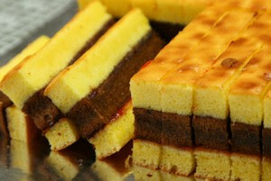 Berlapis dan menggelitik untuk dicicipi Resep Kue Lapis Surabaya Spesial PRAKTIS