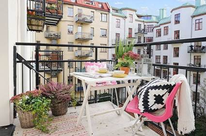 Small Balconies With Style 5