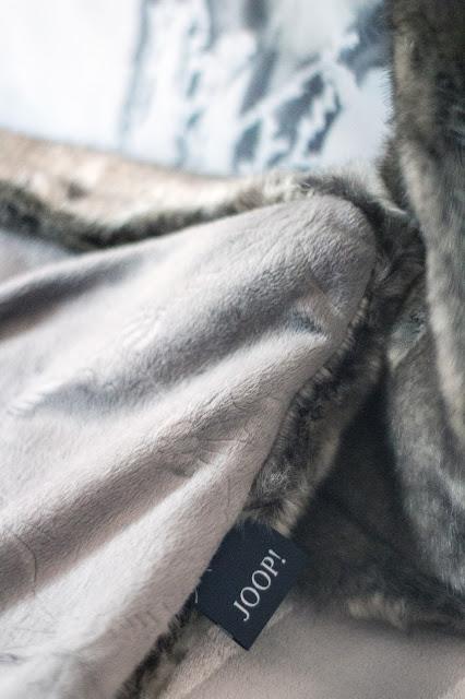 Schlafzimmer makeover, Schlafzimmer renovieren, new bedroom, boxspringbett , skandinavisch einrichten,faux fur decke joop