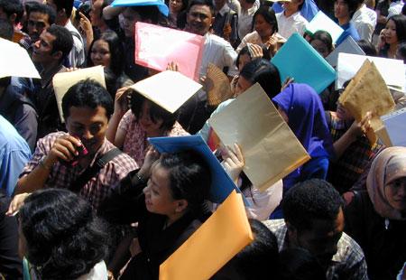 Contoh Kriminalitas Di Indonesia Contoh Judul Karya Tulis Ilmiah Dalam Bentuk Makalah Contoh Gambar Pengangguran Di Kota Jakarta Yang Dikarenakan Oleh