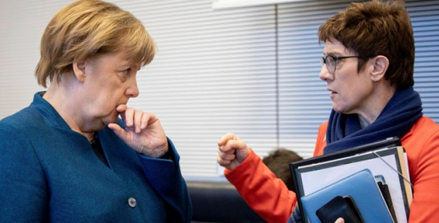 Η Μέρκελ δέχεται πιέσεις να παραιτηθεί μετά τις ευρωεκλογές