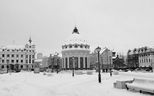 Петербургская улица. Купол Казанского собора.