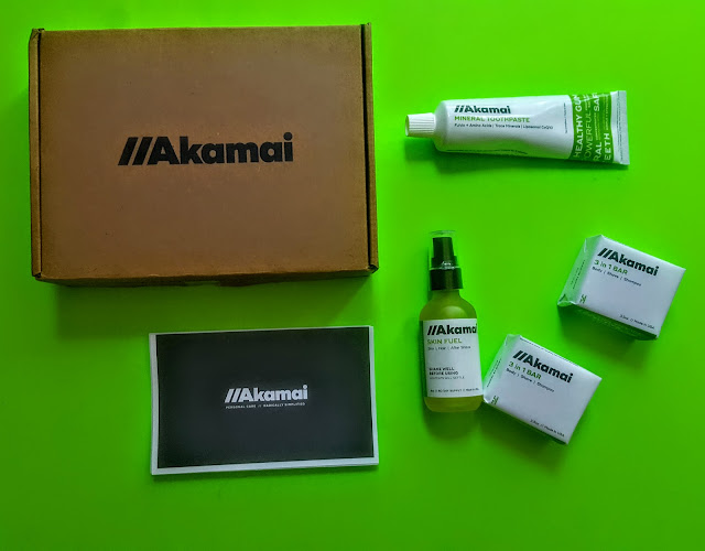 what's in the akamai essentials box