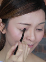 Then use the just peachy color as main color to apply it on the lid area.