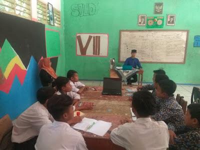 tradisionalnya pada pembelajaran individual ke dimensi pembelajaran kolaboratif dan sosia TEORI BELAJAR SOSIAL (TEORI PEMBELAJARAN SOSIAL)