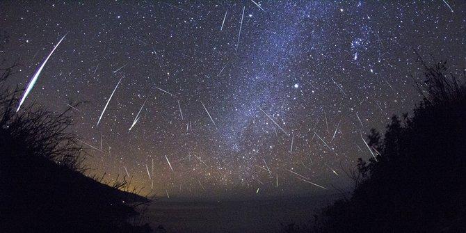 Nanti malam masyarakat Indonesia bisa nikmati hujan meteor Orionid!