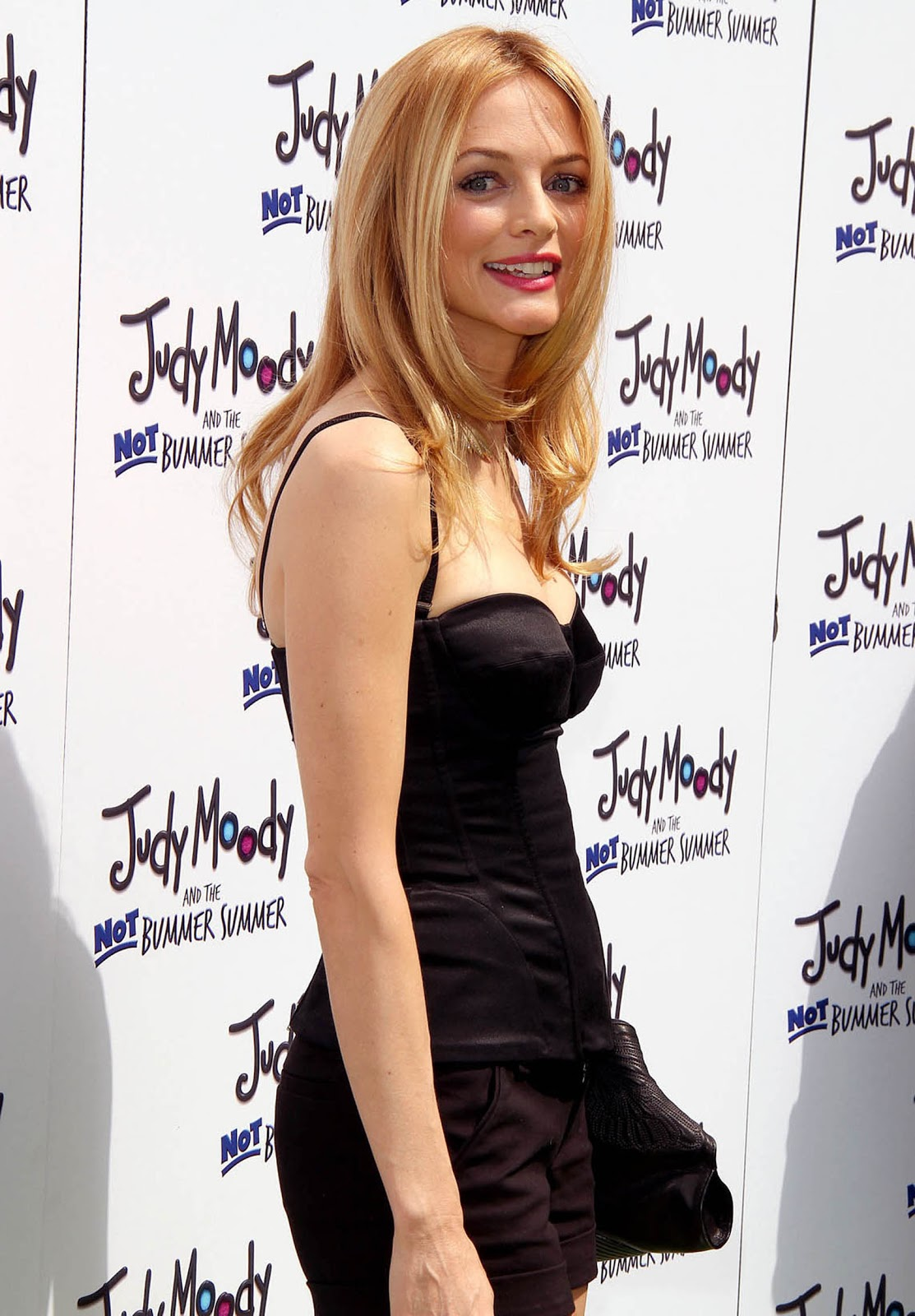 Hot Pic Heather Graham Close Up Cleavage-3062