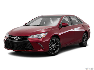 2017 Toyota Camry side look image