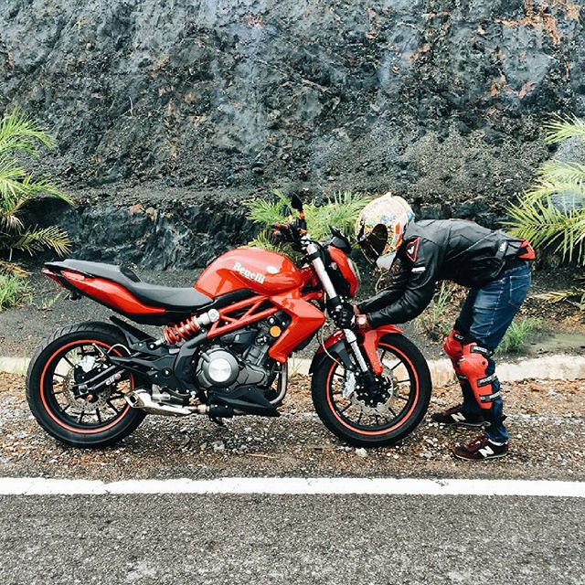Ray Superbike: REVIEW Benelli TNT 300: Passion Comes Standard