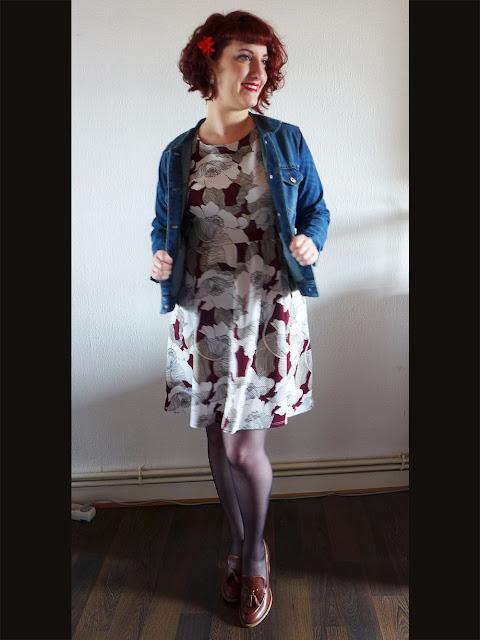 veste en jean Mango et robe à fleurs Dorothy Perkins