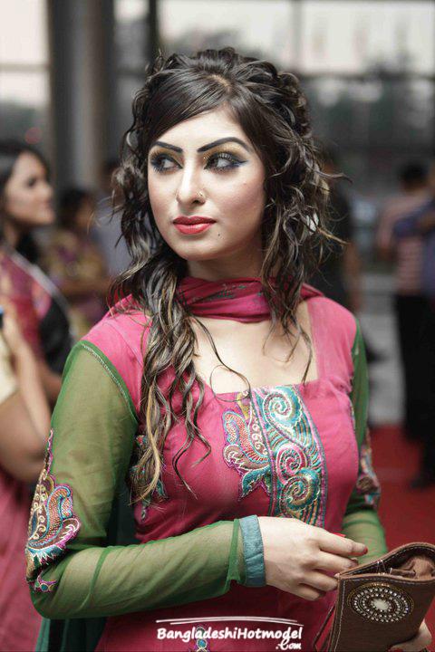 Bangla movie latest hot song sohel and urmila সহলআরউরমলরহটগন - 2 10