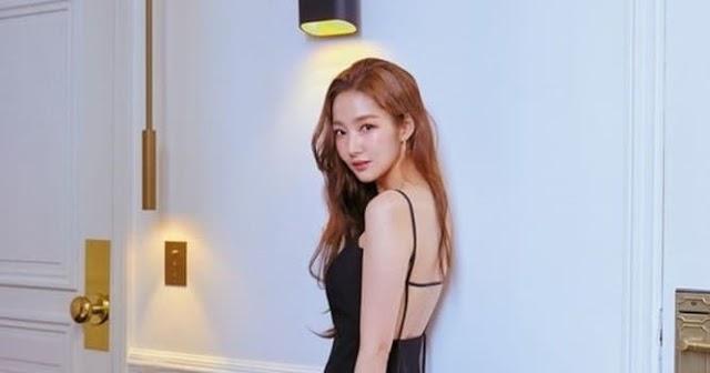 Park Min Young dice que quiere ser invitada en 'I Live Alone' en su sesión de fotos de 'Grazia'
