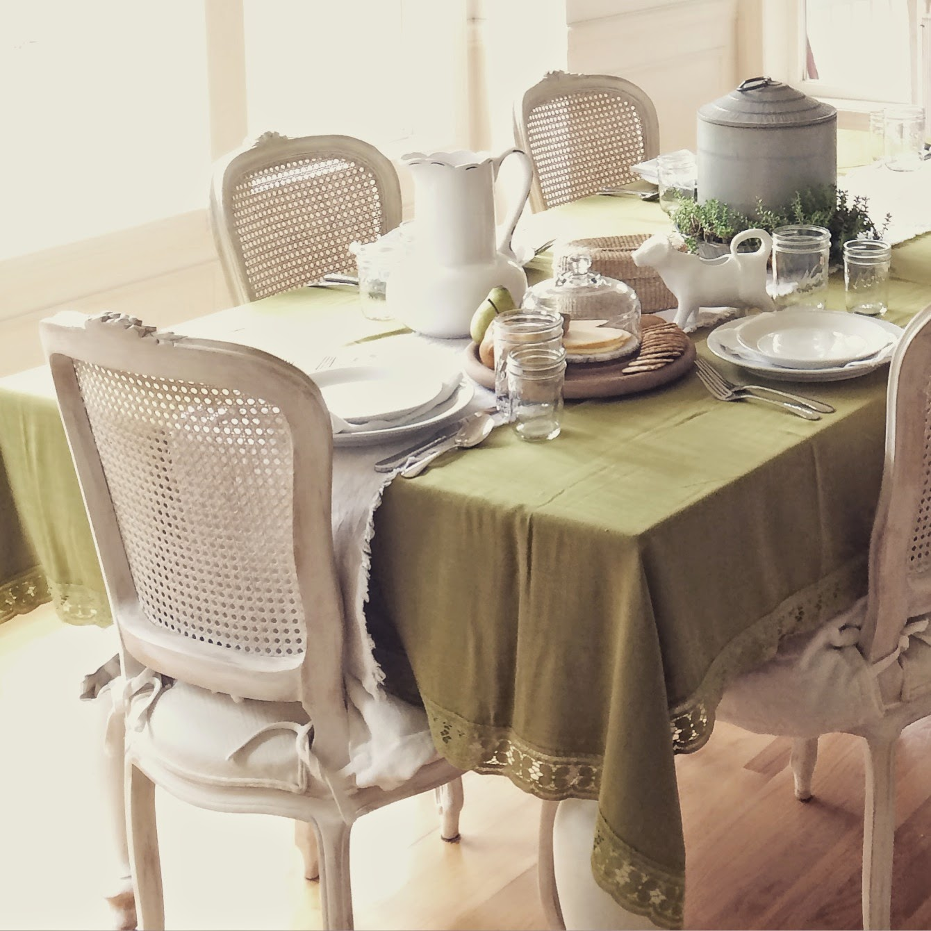 Little Farmstead: Bringing Green Into The Dining Room {A