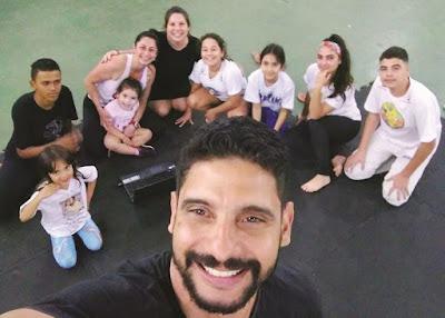 Grupo de Capoeira Filhos de Cananéia realiza revisão da instituição