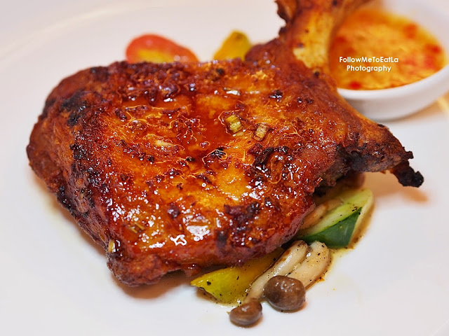 Iberico Pork Chop 烤西班牙黑豬扒(黃金醬, 黑椒醬) RM 68++