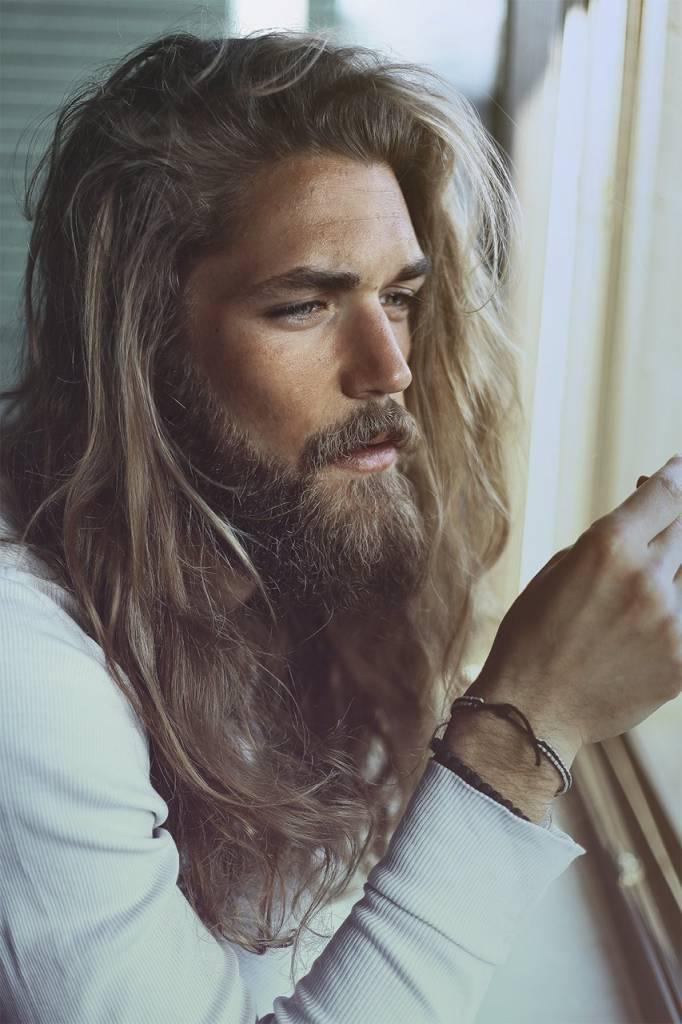 Il 75% delle donne preferisce l'uomo con la barba corta e