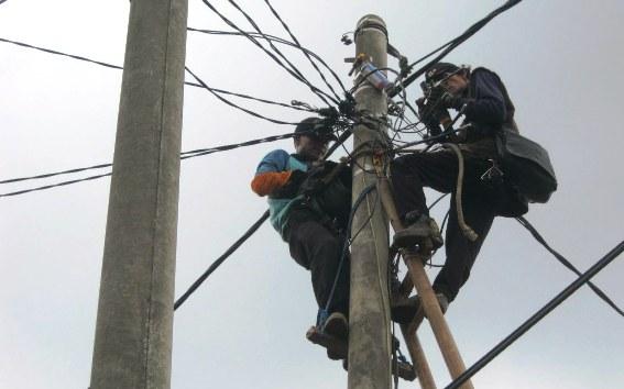 Sudah 27 Jam Lampu Padam Di Selayar, PLN Terus Perbaiki Jaringan, Rusak