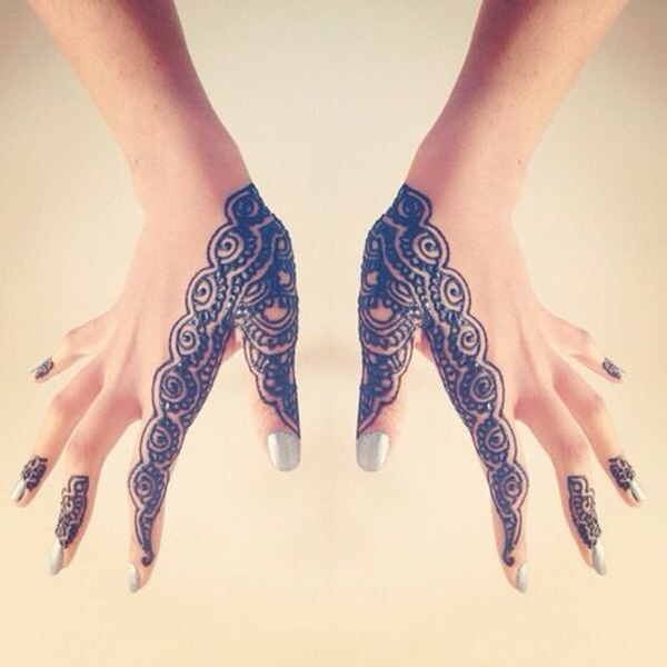Superb Mehndi Designs For Hands
