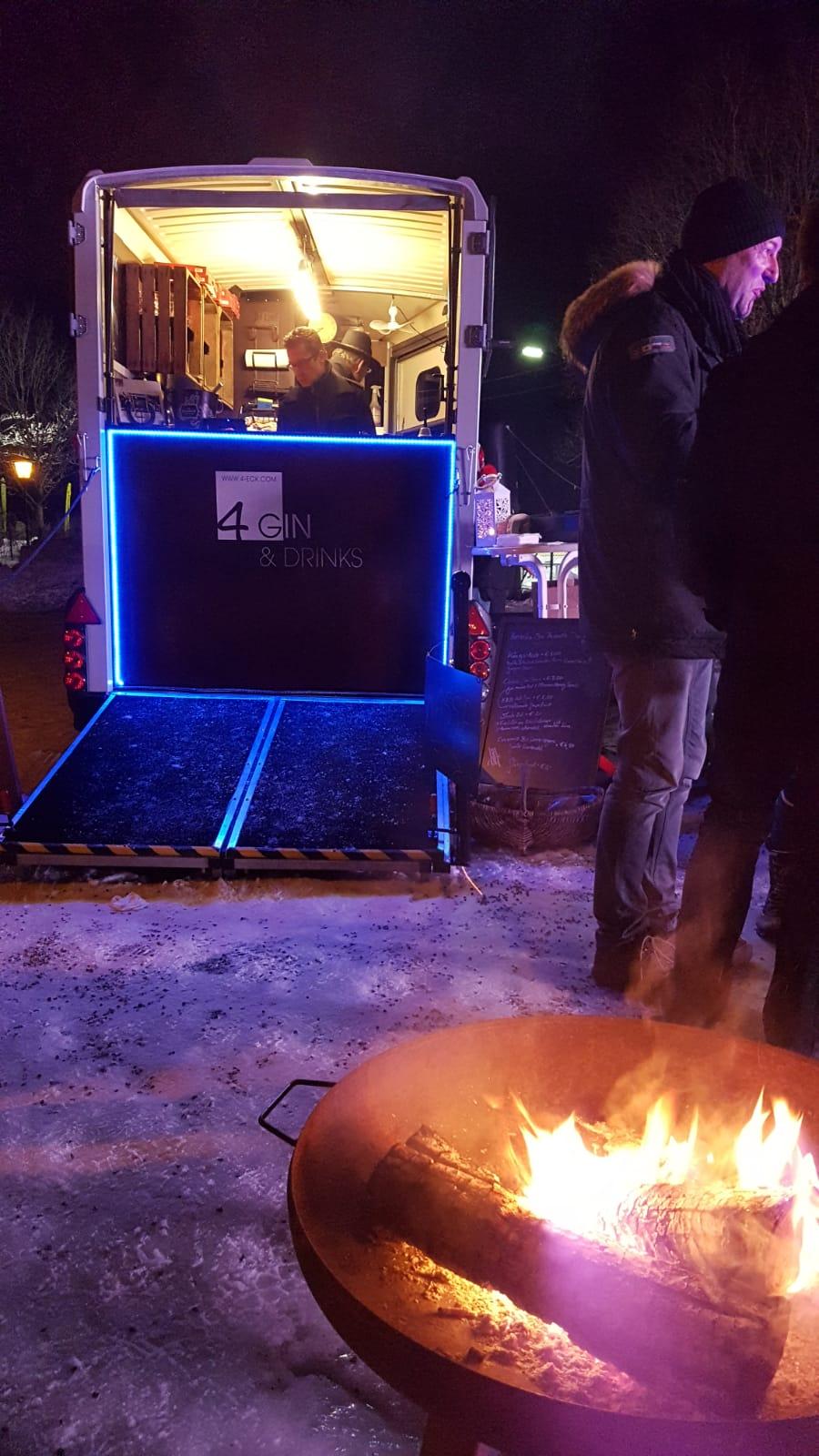 Wintercocktailnacht, 4 Gin and Drinks, Horseboxbar, Event-Bar, mobile Bar, Bayern, Garmisch-Partenkirchen, Gin-Bar, Oberammergau, König-Ludwig-Lauf by Uschi Glas 4 weddings and events