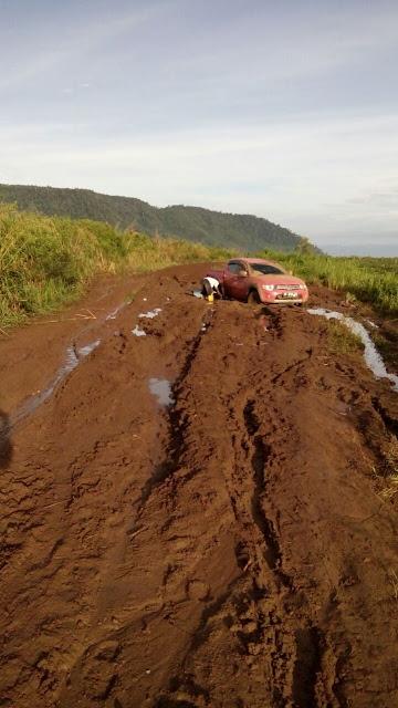 Jalan Lingkar Desa Suarna Dwuipa Penghubung Muara Enim Lahat Rusak