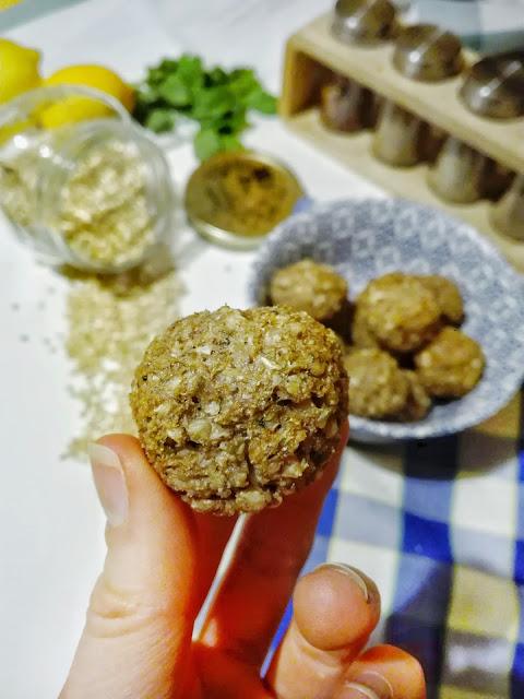 Pieczone kulki gryczane, prosta alternatywa dla tradycyjnej kaszy. Jeden składnik - zaskakujący efekt.