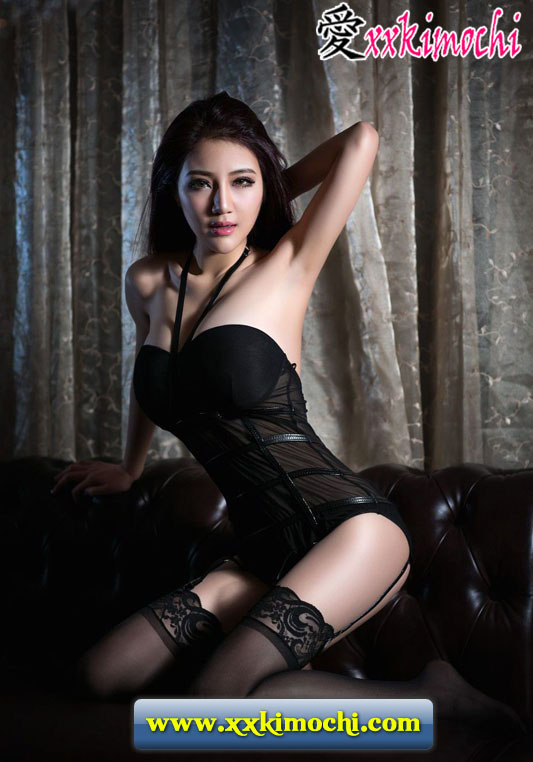 Foto Model Seksi dan Hot Asal China Gui Jing Jing 01