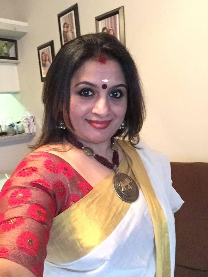 kerala aunty selfie
