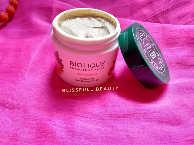 Biotique Bio Papaya Revitalizing Tan Removal Scrub Review