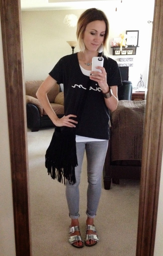 Graphic tee, gray skinnies, silver birks