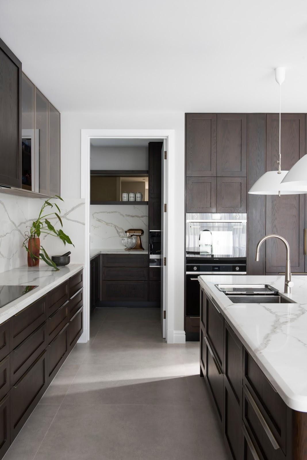 Modern Style Kitchen Design: Minosa: Classic Modern Kitchen Design