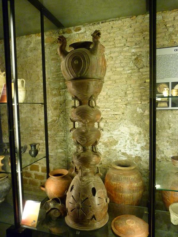 P1010891light - A Necrópole Etrusca de Cerveteri