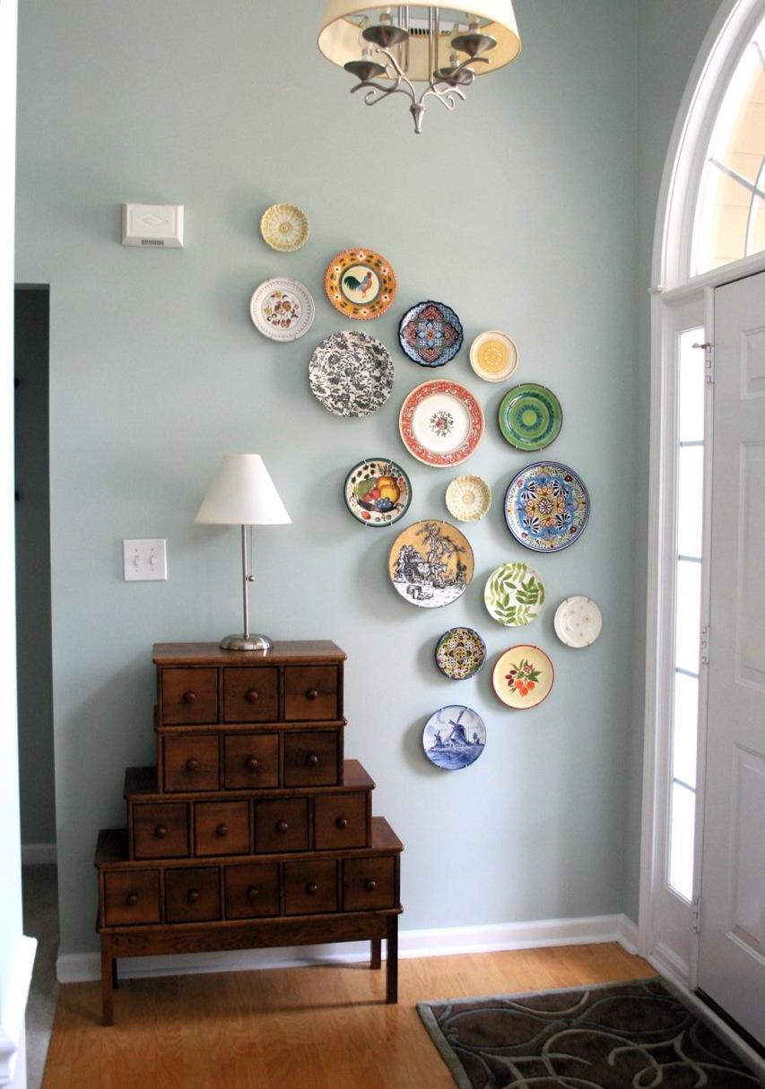 mmmcrafts corners of my house foyer plate wall. Black Bedroom Furniture Sets. Home Design Ideas