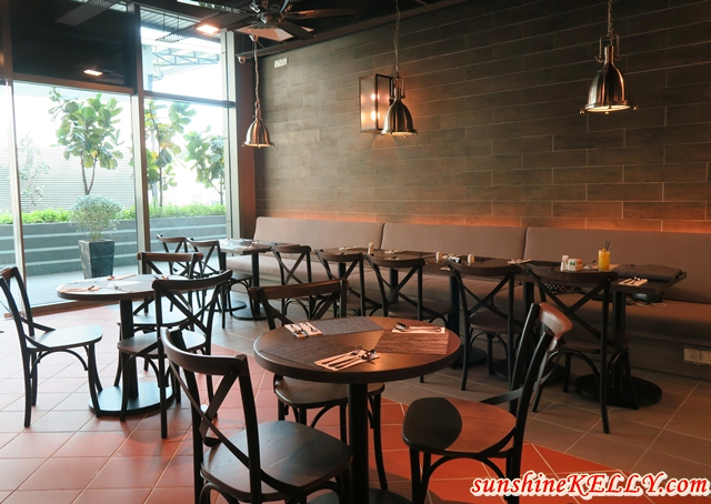 Melur & Thyme First Franchise Restaurant @ Gleneagles Hospital